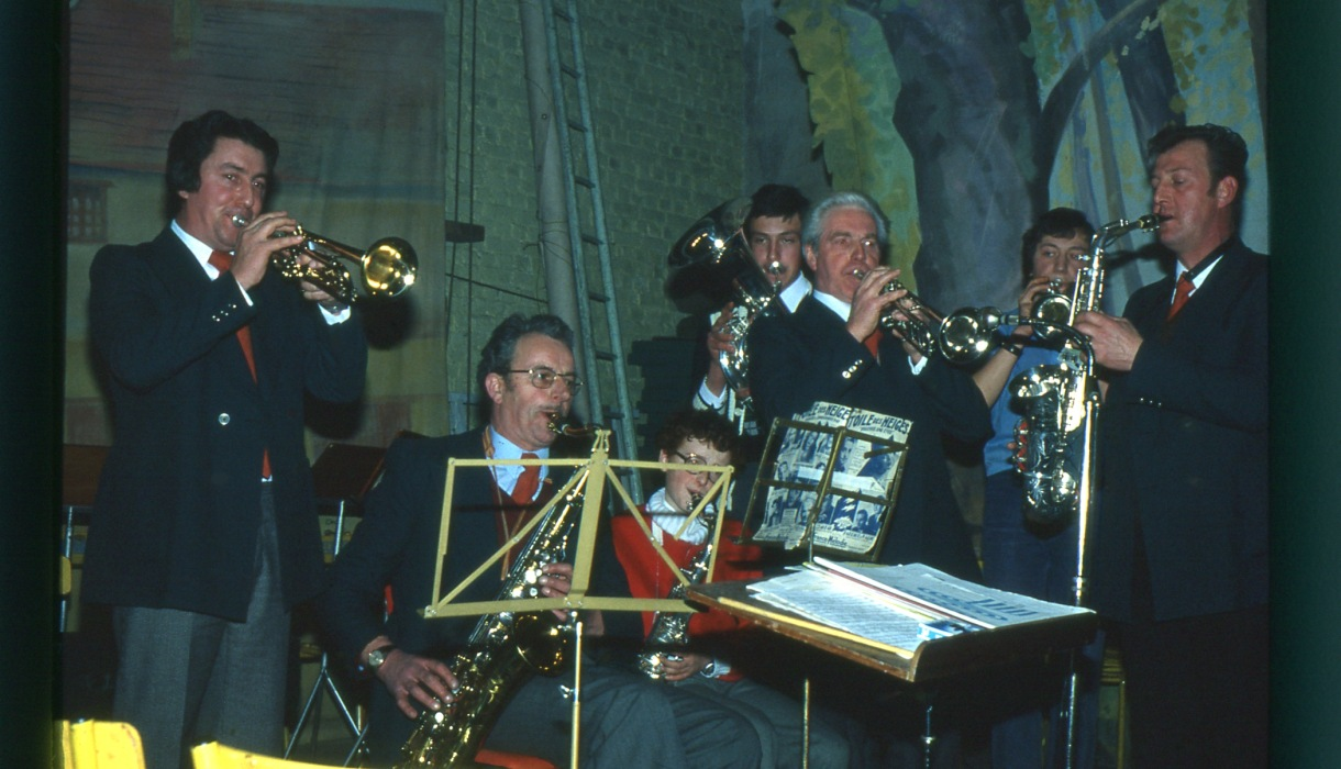 "Fig.2. L'orchestre du ""Bal à Christy"", 12 février 1978 (Photo C. Saunier)."