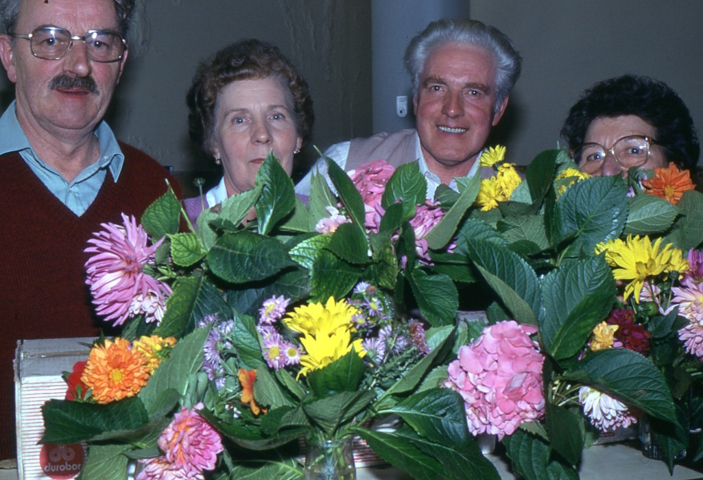 Fig.5. Parmi les fleurs, 13 octobre 1984 (Photo C. Saunier).