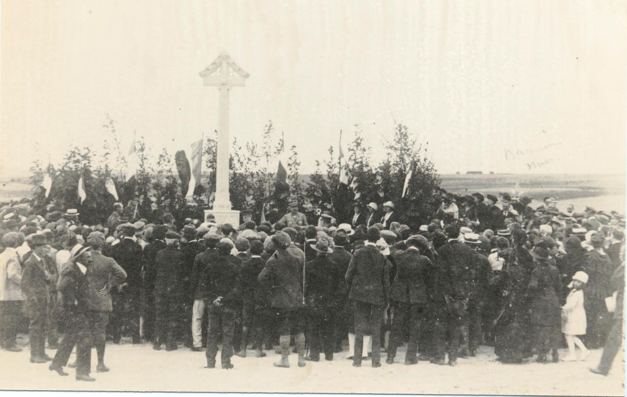 Fig. 17. Inauguration du monument de Malassise, 1921 (Coll. C. Saunier).